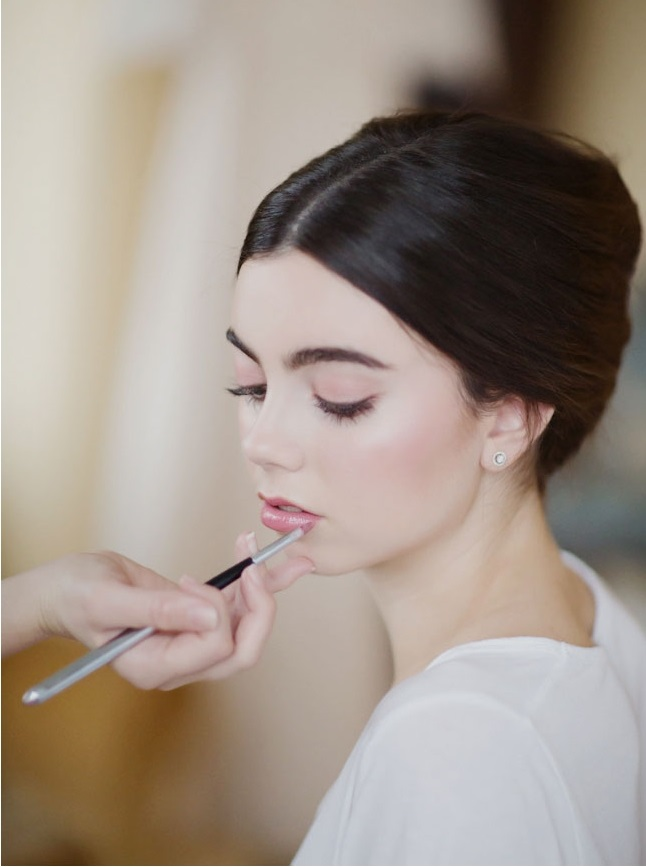 pastel-gloss-lips-1 Top 10 Wedding Makeup Trends for Brides in 2019