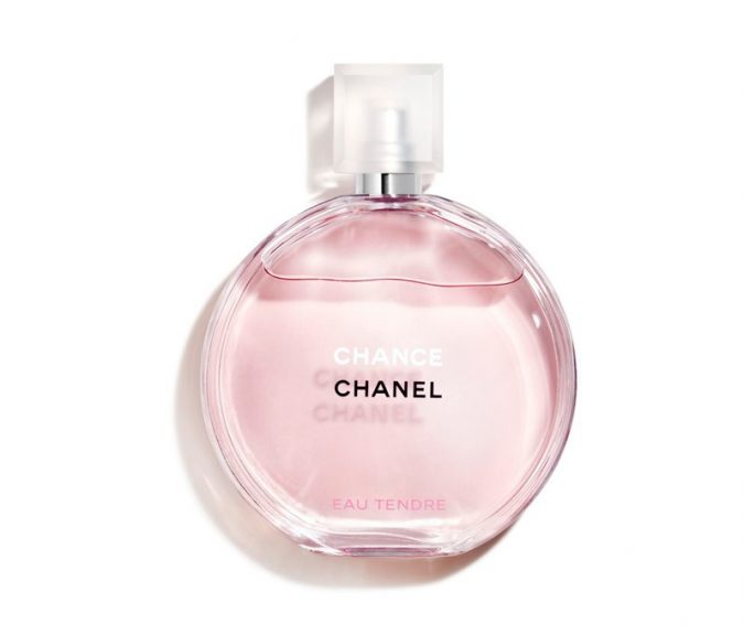 perfume-Chanel-Chance-Eau-Tendre-Eau-de-Toilette-2-675x576 15 Stunning Fragrances for Women in 2020