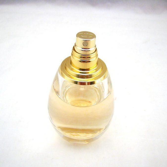 perfume-Christian-Dior-J'adore-Eau-de-Parfum-1-675x675 15 Stunning Fragrances for Women in 2020
