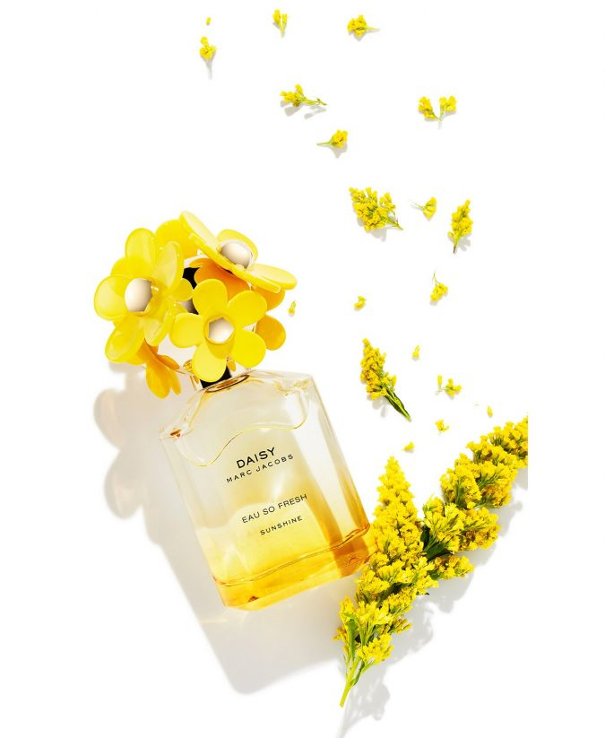 perfume-Marc-Jacobs-Daisy-Eau-So-Fresh-Sunshine-675x823 15 Stunning Fragrances for Women in 2020