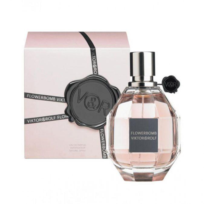 perfume-Viktor-Rolf-Flowerbomb-675x675 15 Stunning Fragrances for Women in 2020