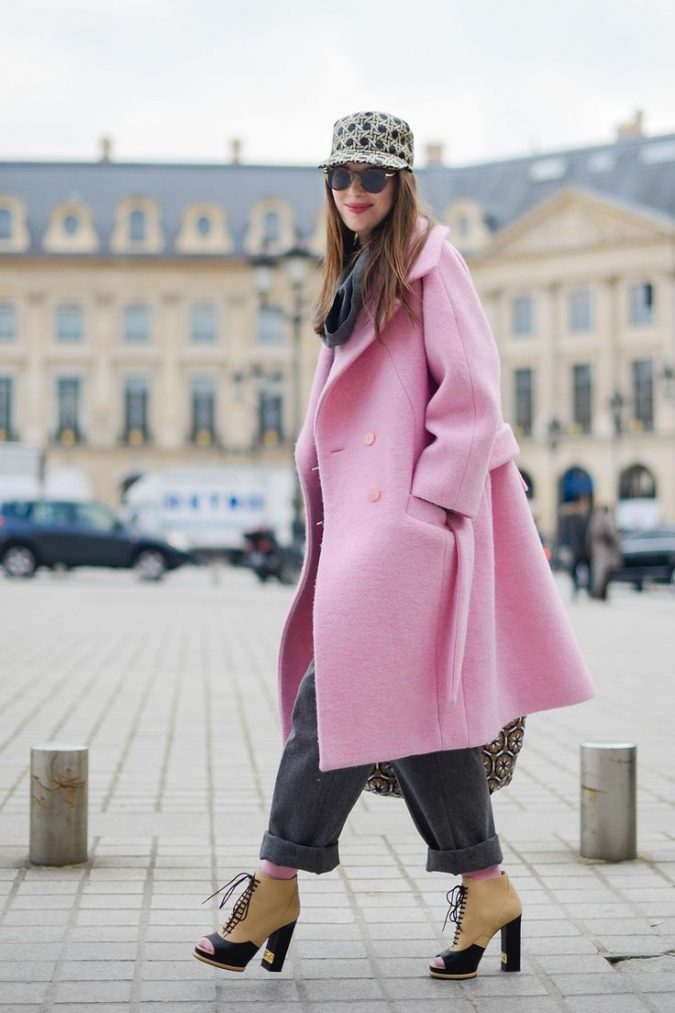 pink-oversized-coat-women-outfit-675x1013 70+ Elegant Winter Outfit Ideas for Business Women in 2019