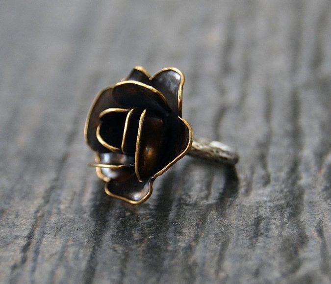 sterling-silver-flower-ring-675x579 60+ Stellar Sterling Silver Rings for Women