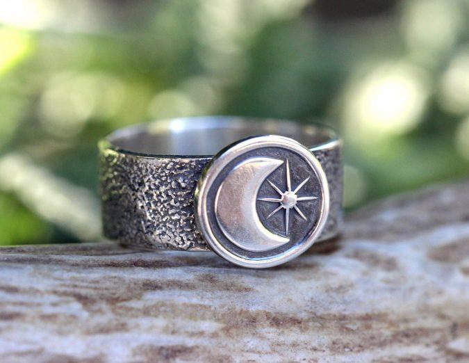sterling-silver-ring-10-675x522 60+ Stellar Sterling Silver Rings for Women