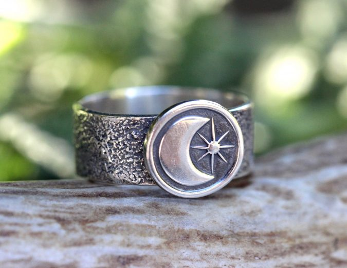 sterling-silver-ring-10-675x522 60+ Stellar Sterling Silver Rings for Women