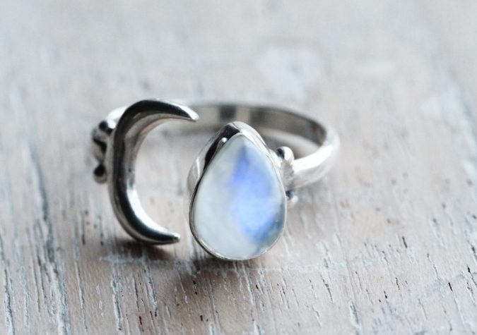 sterling-silver-ring-4-675x475 60+ Stellar Sterling Silver Rings for Women