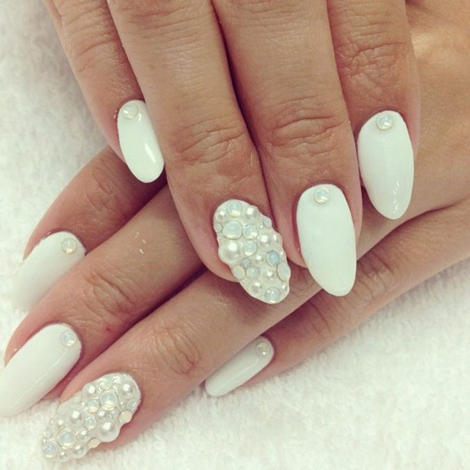 textured-nail-art-pearls-675x675 +60 Hottest Nail Design Ideas for Your Graduation