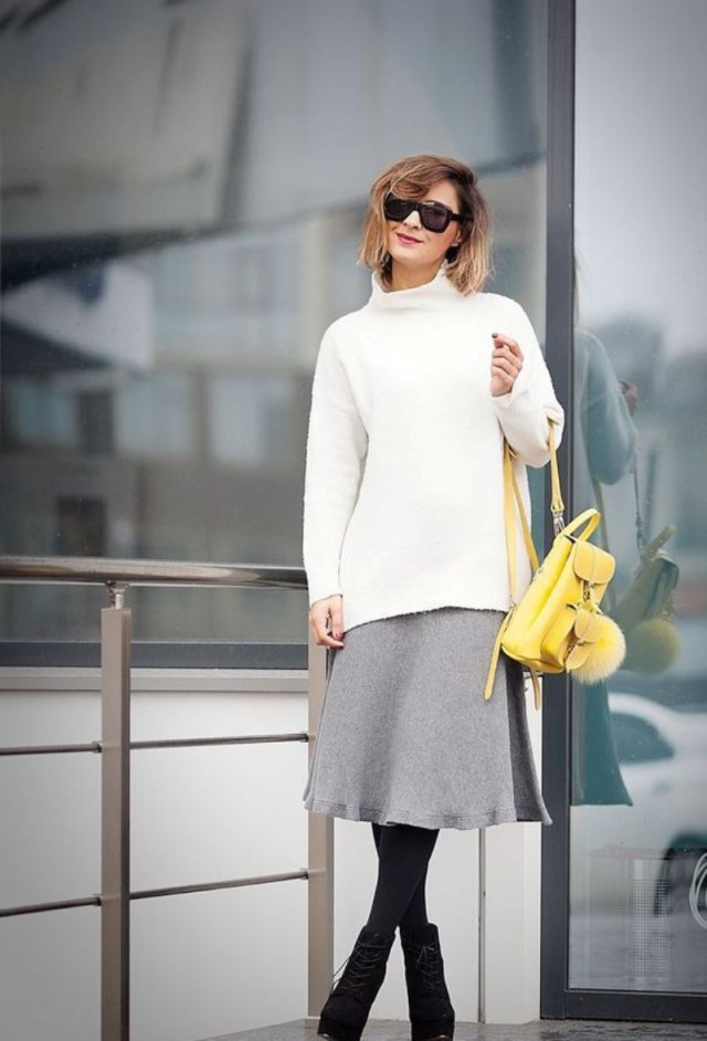 winter-outfit-Turtleneck-with-grey-midi-skirt 70+ Elegant Winter Outfit Ideas for Business Women