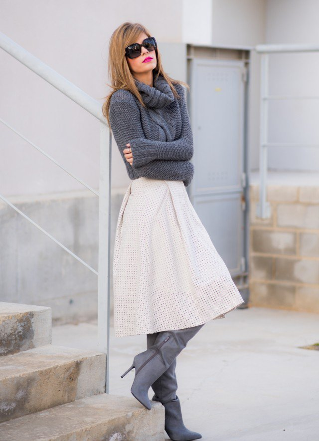 winter-outfit-Turtleneck-with-midi-skirt-4 70+ Elegant Winter Outfit Ideas for Business Women