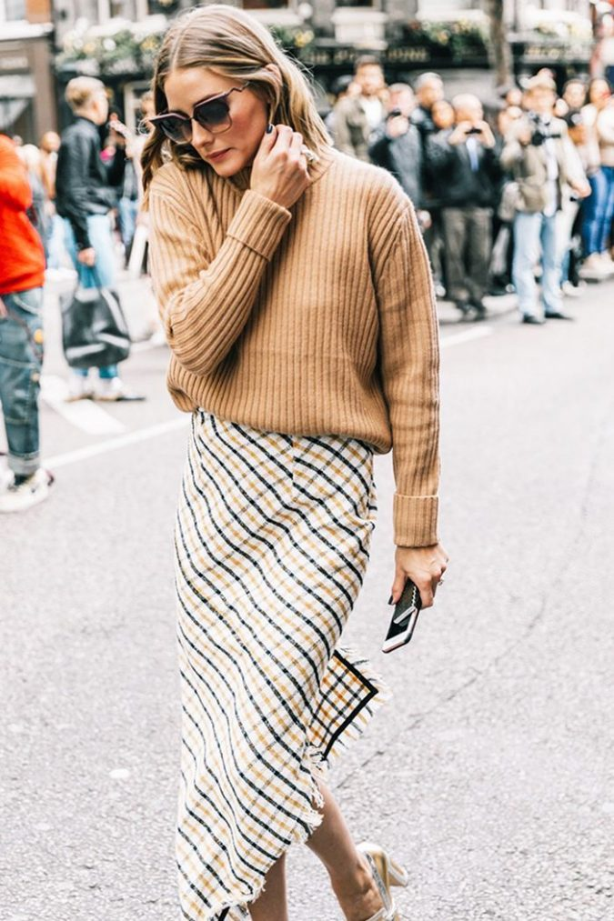 winter-outfit-Turtleneck-with-midi-skirt-6-675x1013 70+ Elegant Winter Outfit Ideas for Business Women