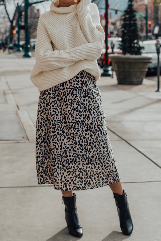 winter-outfit-Turtleneck-with-midi-skirt-675x1012 70+ Elegant Winter Outfit Ideas for Business Women