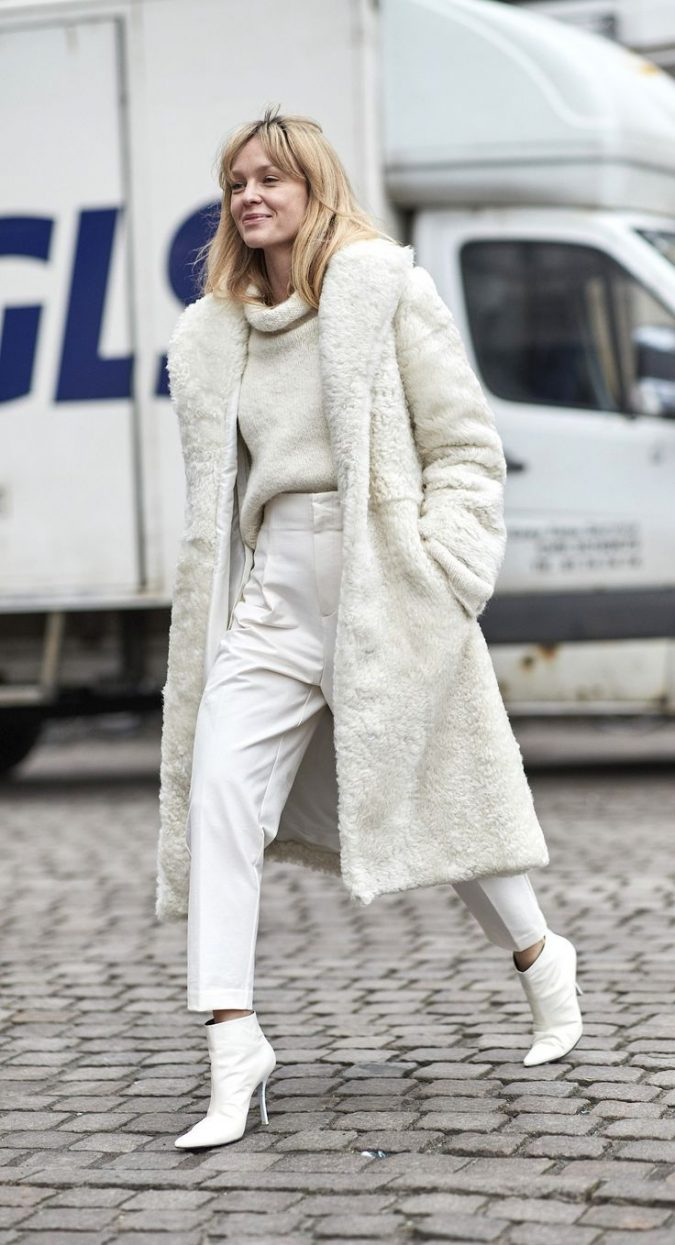 winter-outfit-with-different-textures-675x1245 70+ Elegant Winter Outfit Ideas for Business Women