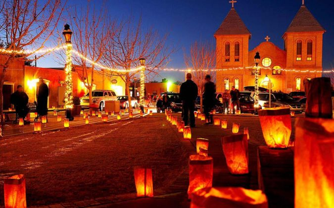 Christmas-in-Albuquerque-675x422 5 Reasons The City of Albuquerque Is a Great Choice for Investing in a Home