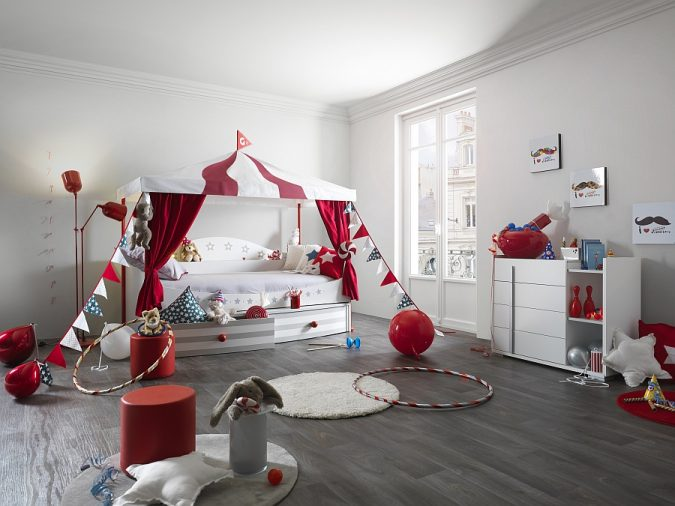 Circus-look-kids-Room.-675x506 15 Simple Décor Tips to Make Your Kids' Room Look Attractive