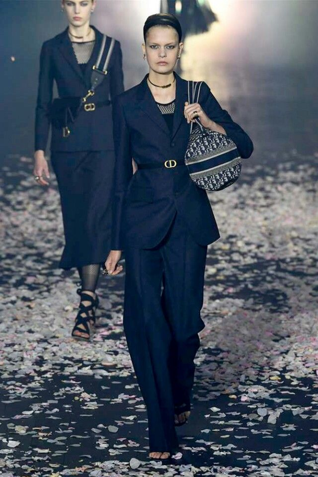 Dior-spring-summer-2019-summer-outfit-pant-suit 80+ Elegant Summer Outfit Ideas for Business Women