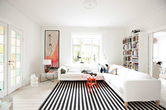Monochrome-striped-rug-living-room-675x449 Best 14 Tips to Follow When Planning a Small Living Room