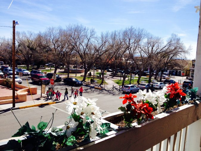 Old-Town-Orientation-Walk-Albuquerque-675x506 5 Reasons The City of Albuquerque Is a Great Choice for Investing in a Home