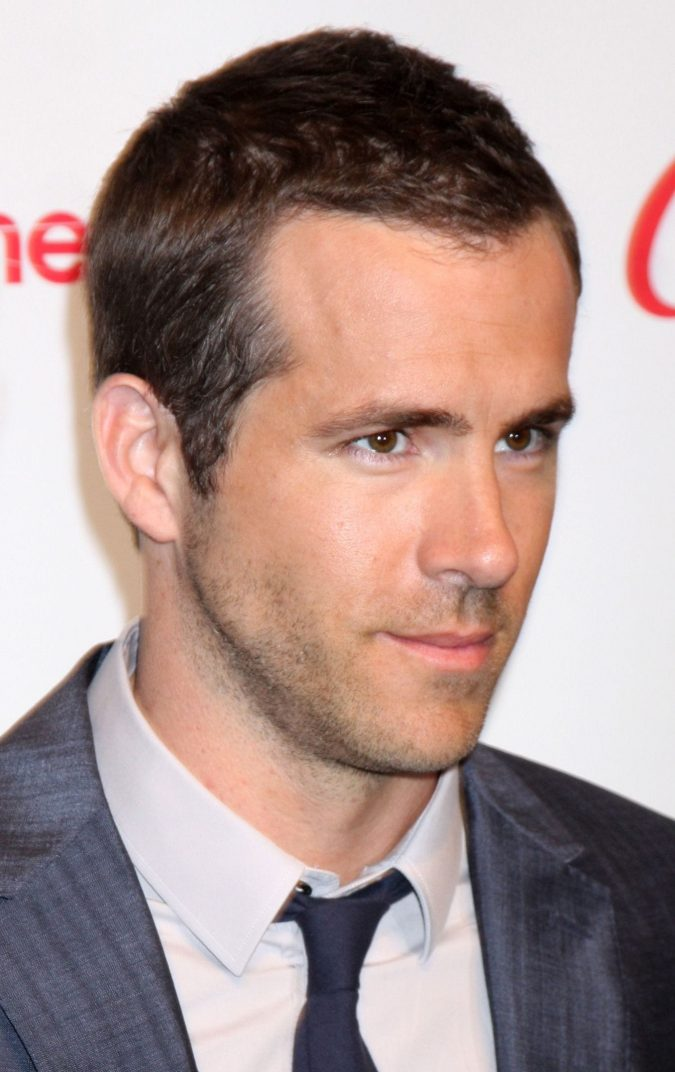 Ryan-Reynolds-crew-haircut-short-675x1072 10 Best 2019 Men's Haircuts According to Face Shape