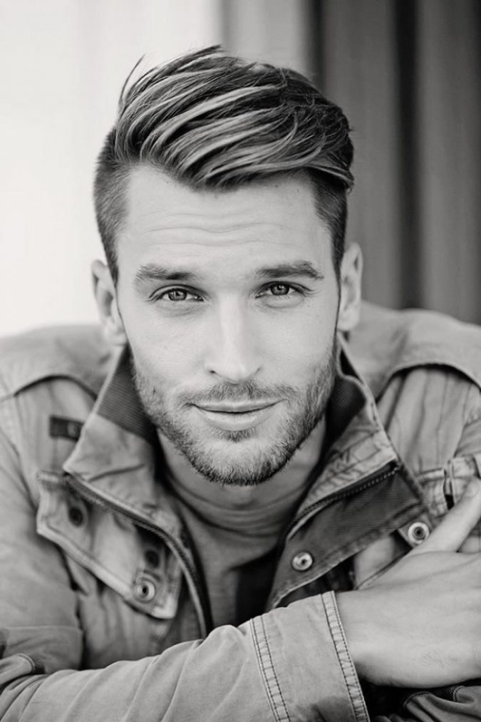 Side-parted-haircut-3-675x1013 10 Best 2019 Men's Haircuts According to Face Shape