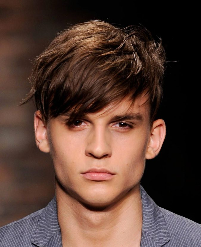 Side-swept-fringe-haircut-men-4-675x827 10 Best Men's Haircuts According to Face Shape in 2020