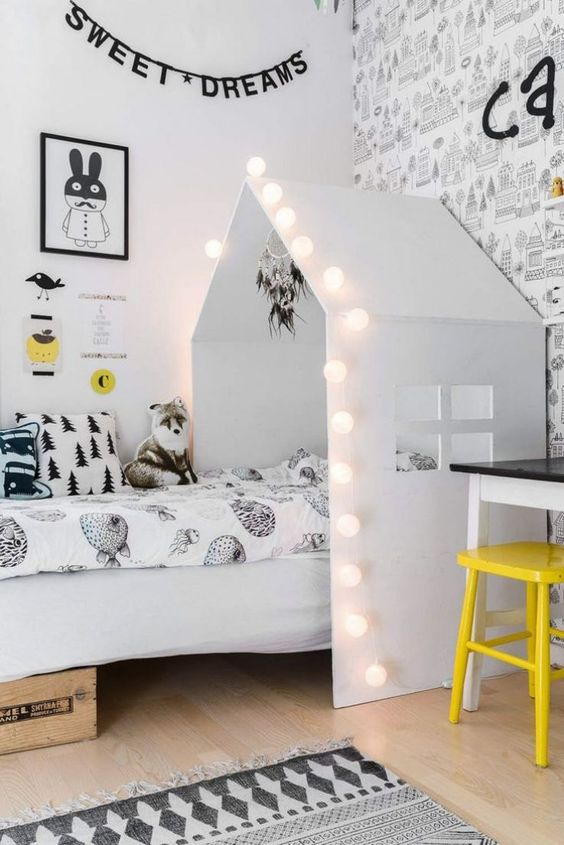 String-lights-for-kids.. 15 Simple Décor Tips to Make Your Kids' Room Look Attractive