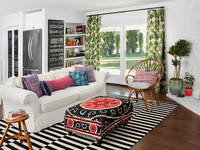 Striped-rug-colorful-living-room-675x506 Best 14 Tips to Follow When Planning a Small Living Room