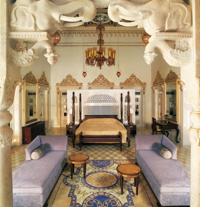 Taj-Lake-palace-hotel-in-inda-3-675x699 6 Top Reasons to Visit India