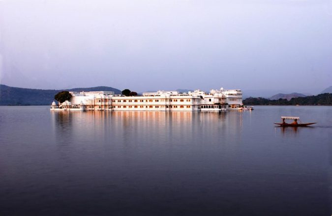 Taj-Lake-palace-hotel-in-india-675x440 6 Top Reasons to Visit India