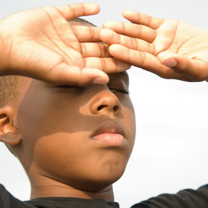 boy-eyes-hypersensitive-to-light-AMF-photophobia-675x675 11 Facts about Colored Lenses that May Surprise You