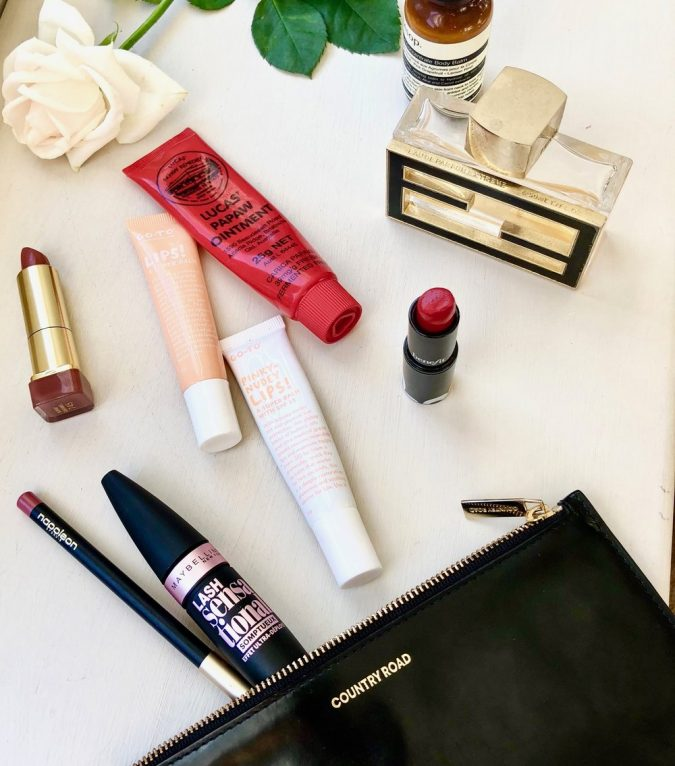 handbag-kit-products-675x766 15 Must-have Beauty Products in Your Handbag