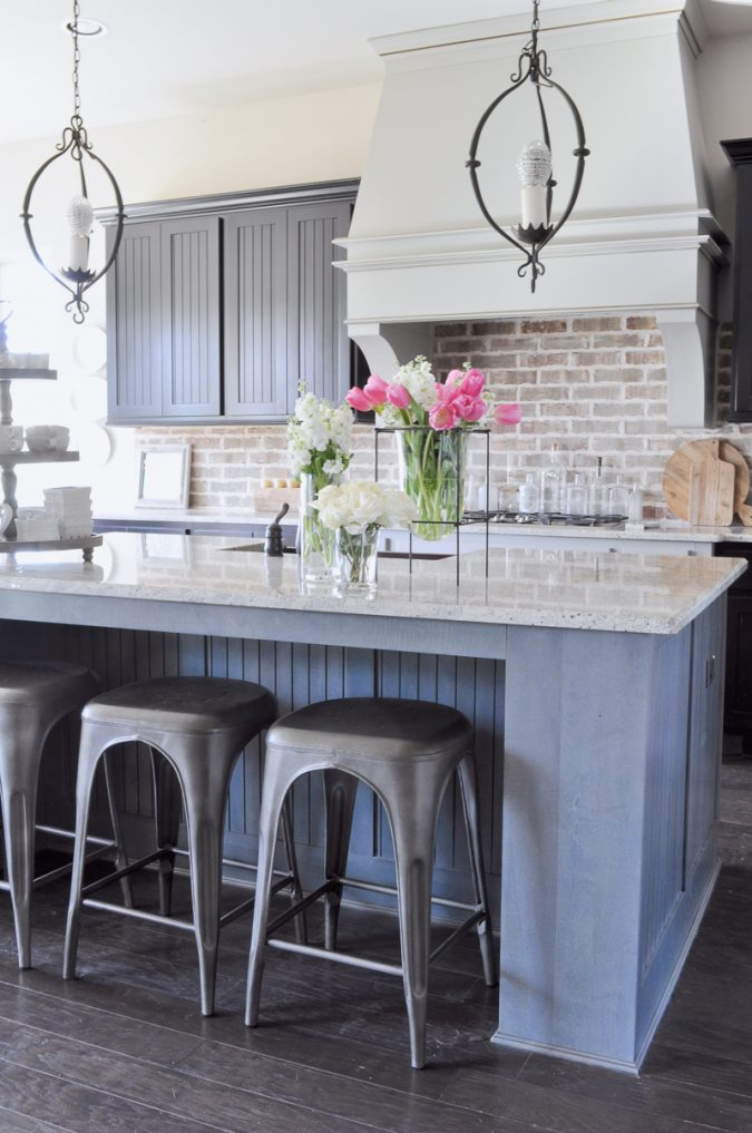 kitchen-decor-glass-vase-675x1017 Top 18 Creative Kitchen Decoration Tricks No One Told You About