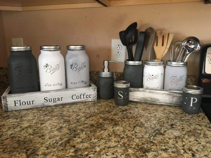 kitchen-decor-mason-jars-675x506 Top 18 Creative Kitchen Decoration Tricks No One Told You About