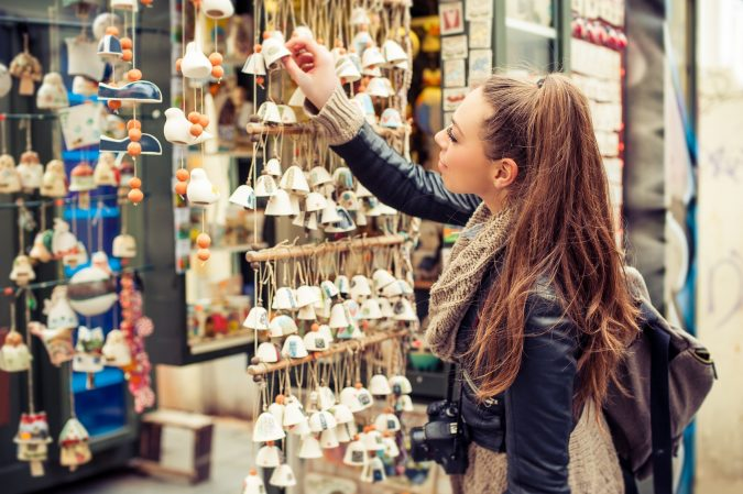 local-souvenirs-675x449 4 Tips for Best Luxury Travel on a Budget