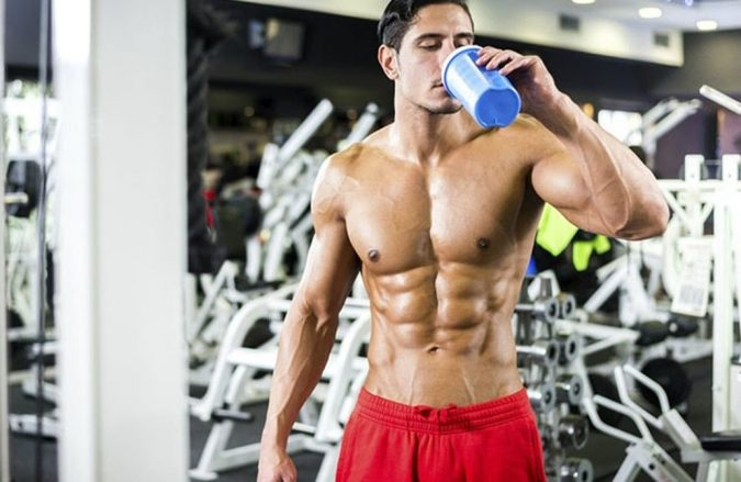 man-drinking-supplements-675x439 Top 10 Food Supplements That Can Ruin the Liver