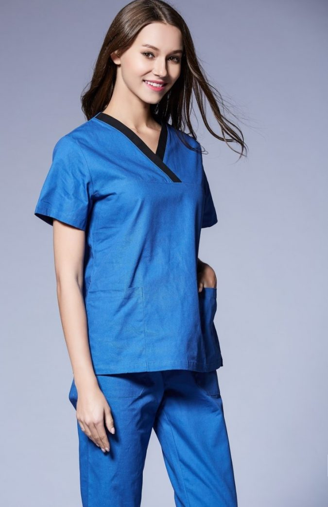 medical-scrub-2-675x1044 12 Gift Ideas for Your Favorite Medical Professional