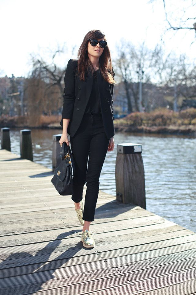 monochrom-work-outfit-suit 80+ Elegant Summer Outfit Ideas for Business Women