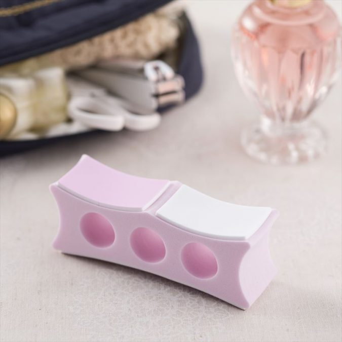 nail-file-675x675 15 Must-have Beauty Products in Your Handbag