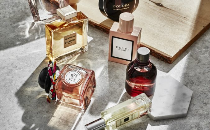 perfumes-675x420 15 Must-have Beauty Products in Your Handbag