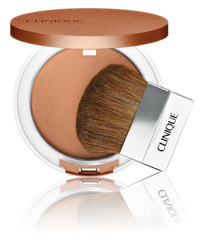 powder-675x782 15 Must-have Beauty Products in Your Handbag