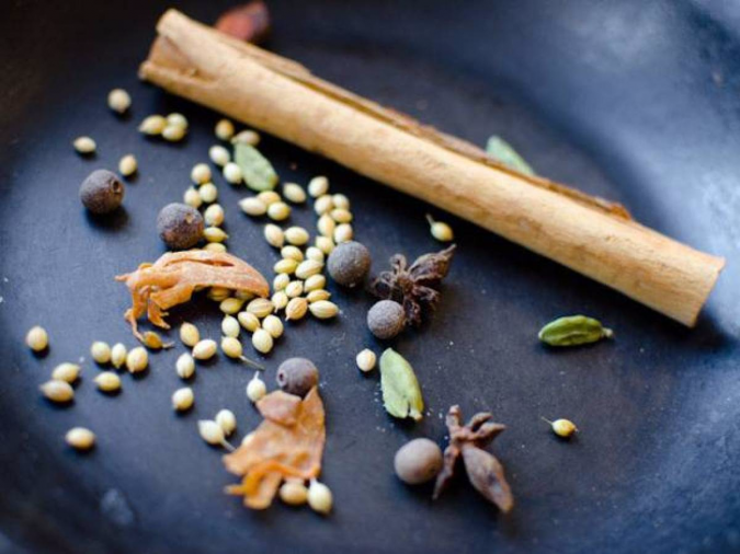 roast-spices-675x506 14 Easy Tricks for Anyone Who Likes Vegetarian Food