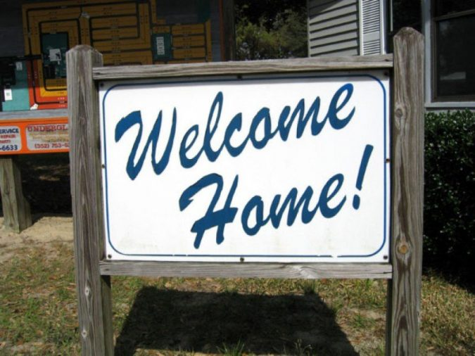sign-welcome-home-675x506 What Expats Should Know Before Returning Home