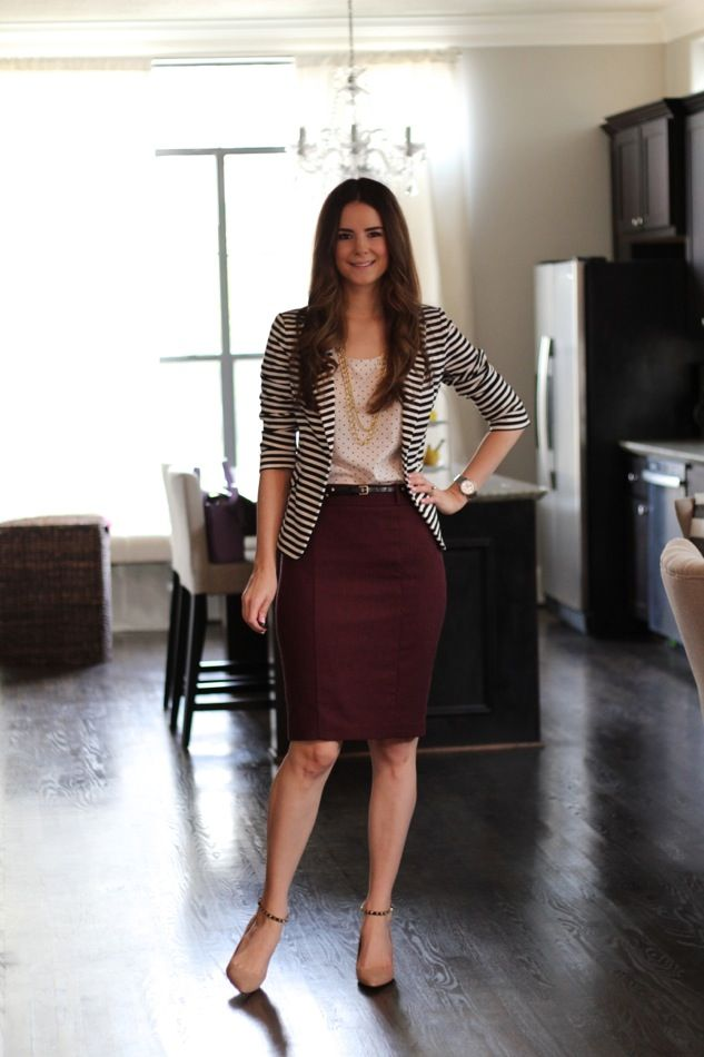 summer-work-outfit-burgandy-skirt-stripped-blazer 80+ Elegant Summer Outfit Ideas for Business Women