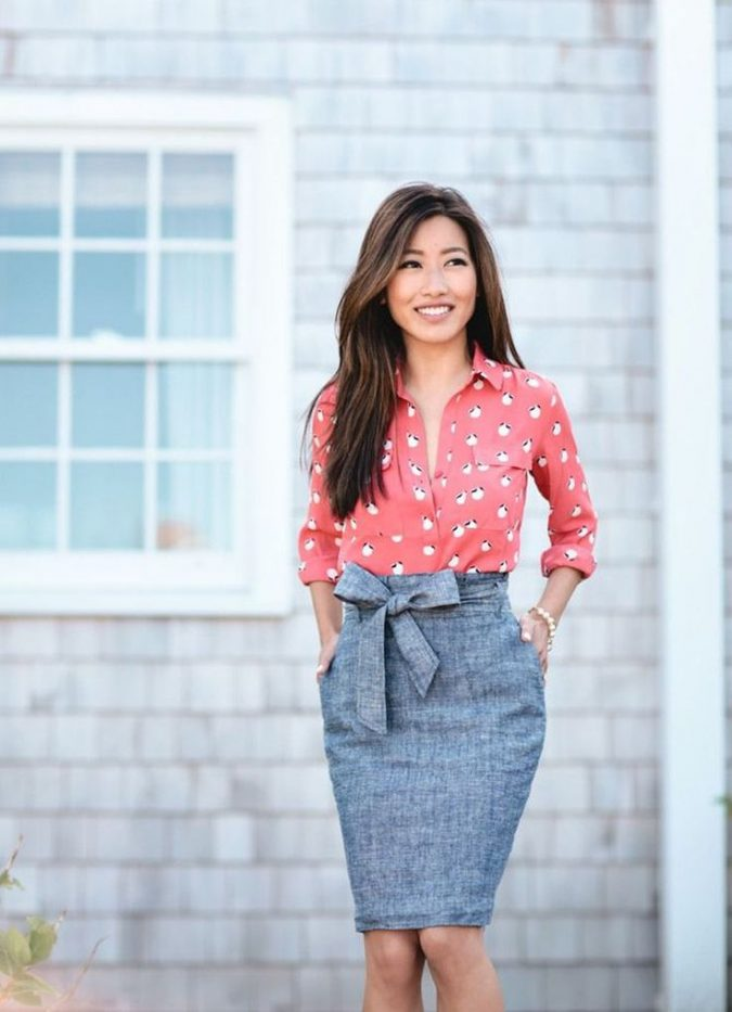 summer-work-outfit-polka-dot-shirt-grey-skirt-675x933 80+ Elegant Summer Outfit Ideas for Business Women in 2019
