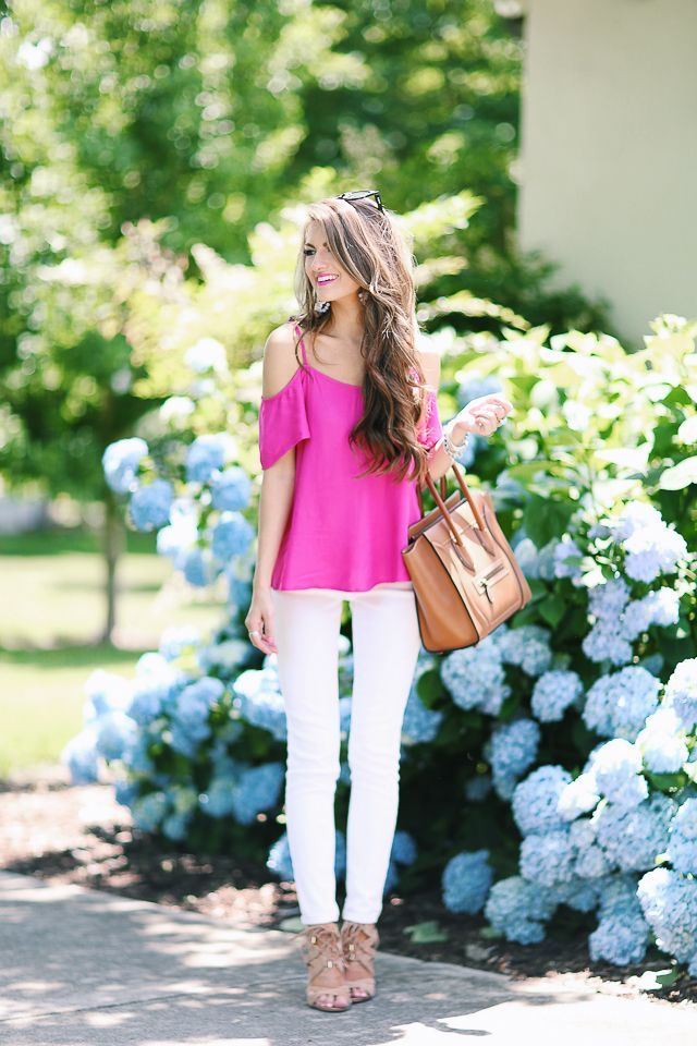 summer-work-outfit-white-pants 80+ Elegant Summer Outfit Ideas for Business Women
