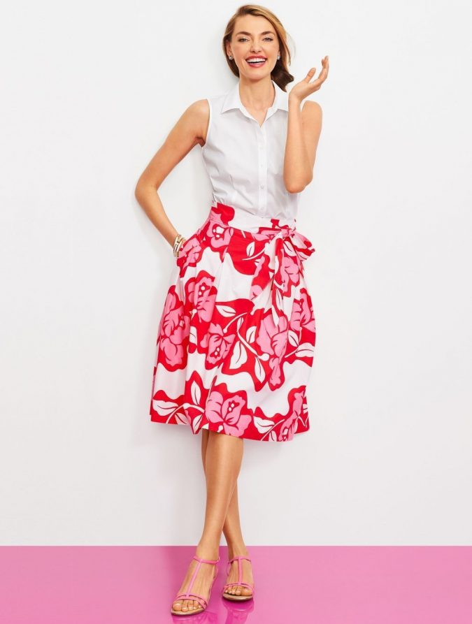 summer-work-outfit-with-floral-skirt-1-675x893 80+ Elegant Summer Outfit Ideas for Business Women