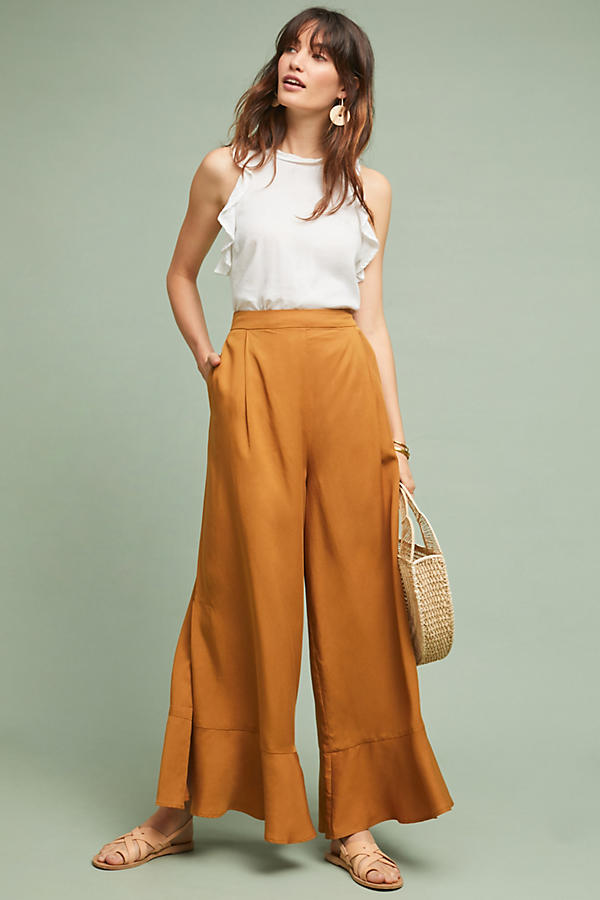 summer-work-outfit-yellow-pants-and-white-top-1 80+ Elegant Summer Outfit Ideas for Business Women in 2019
