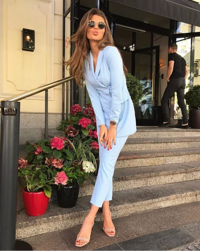 women-outfit-summer-pantsuit-2-675x844 80+ Elegant Summer Outfit Ideas for Business Women