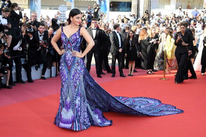 Aishwarya-Rais-Butterfly-Dress-675x450 20 Most Stylish Female Celebrities Fashion Trends 2019