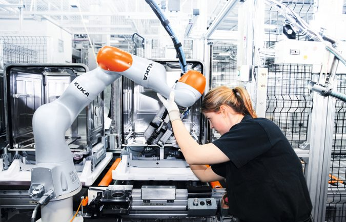 Cobot-Kuka-header-675x434 Cobots Have Changed the Way Humans Work