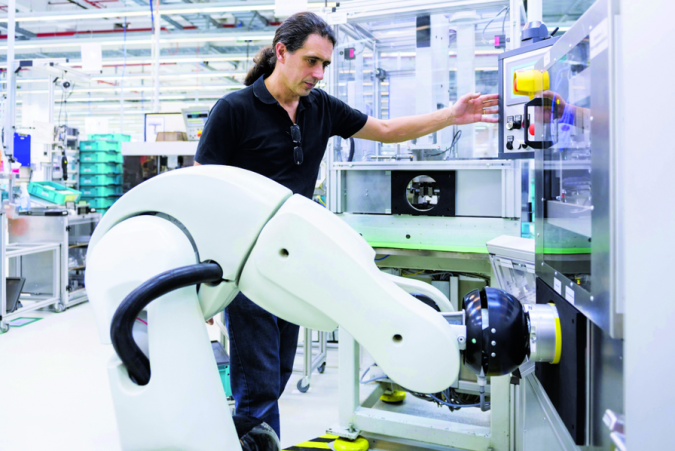 Cobot-usinenouvelle-675x451 Cobots Have Changed the Way Humans Work